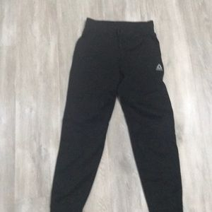 Reebok boys athletic pants in black Medium